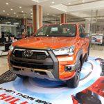 Toyota Hilux 2.8AT 4×4 Phiên Bản 2021 | Màu cam