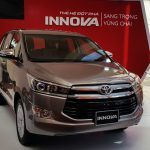 Giá lăn bánh Toyota Innova 2.0E