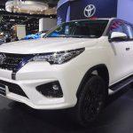 Bất ngờ thêm nhiều xe Toyota giảm giá mạnh tháng 9